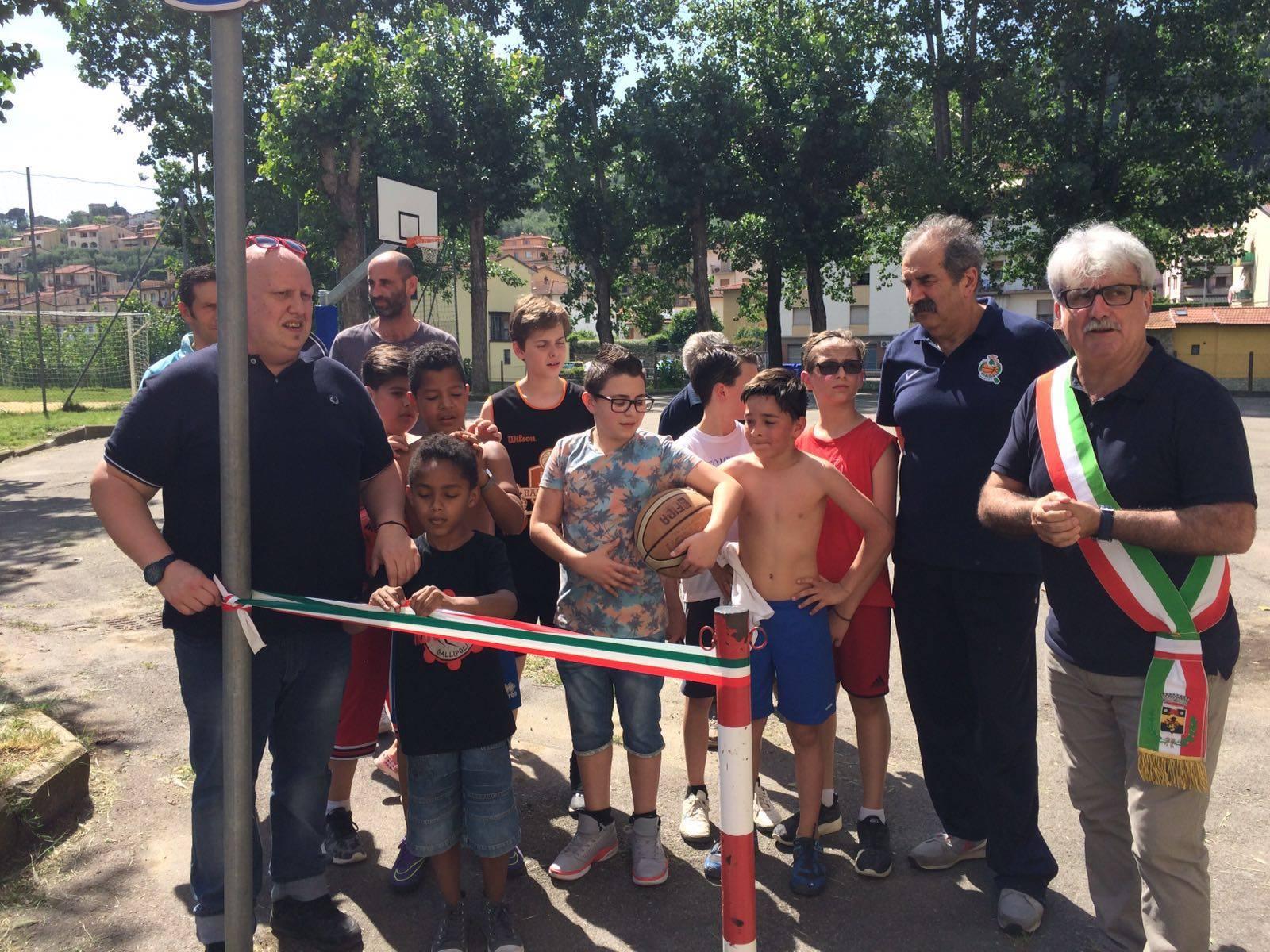 Inaugurazione campo di street basket a San Francesco Pelago